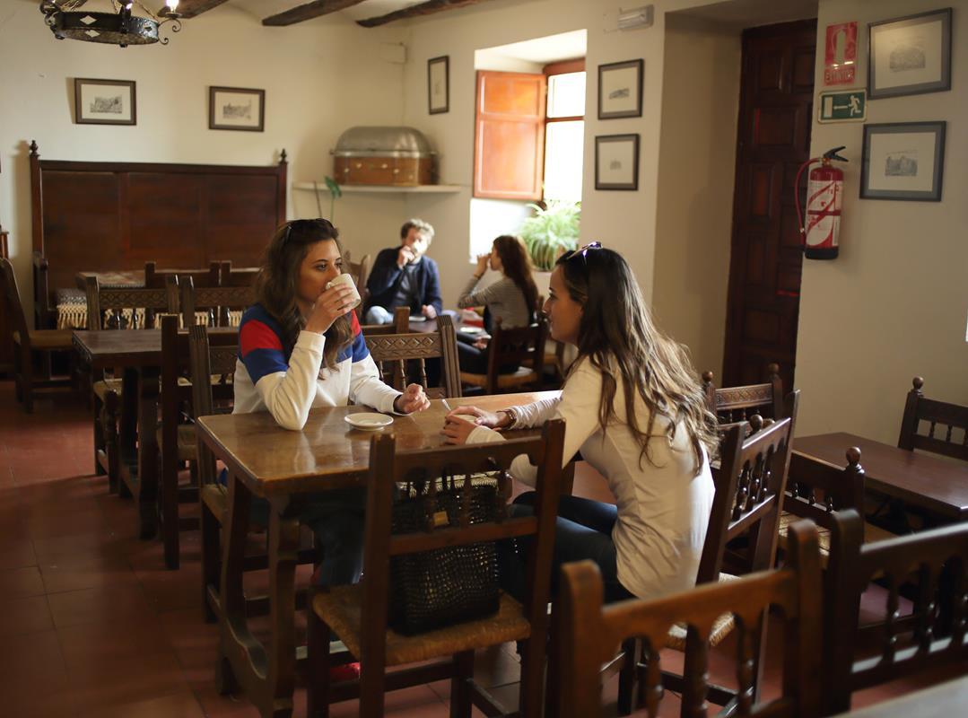 Café en el Hostal de la Trucha